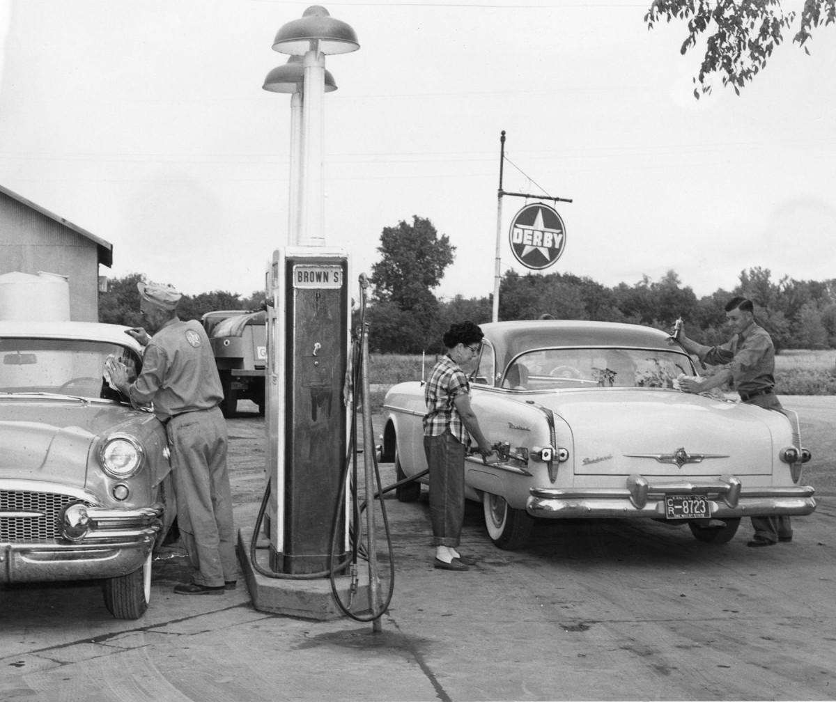 Ross Brown Oil Company, Harveyville, Kansas