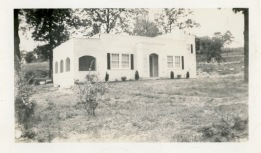 Daddy built this new house on West Broadway in West Plains for his family in 1941.