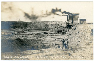 The rock crusher operated at a quarry leased by the Rock Island Railway located on the north edge of Alta Vista.