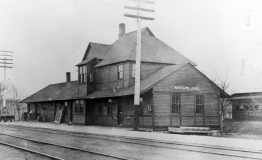 The first depot at McFarland was constructed in 1887 when the CRIP established its yards in the newly created town.