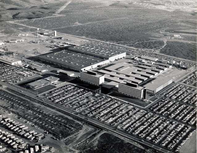 1963---GENERAL DYNAMICS PLANT IN SAN DIEGO AERIAL VIEW